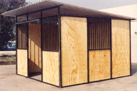 ECONO STALLS, PASTURE SHELTERS