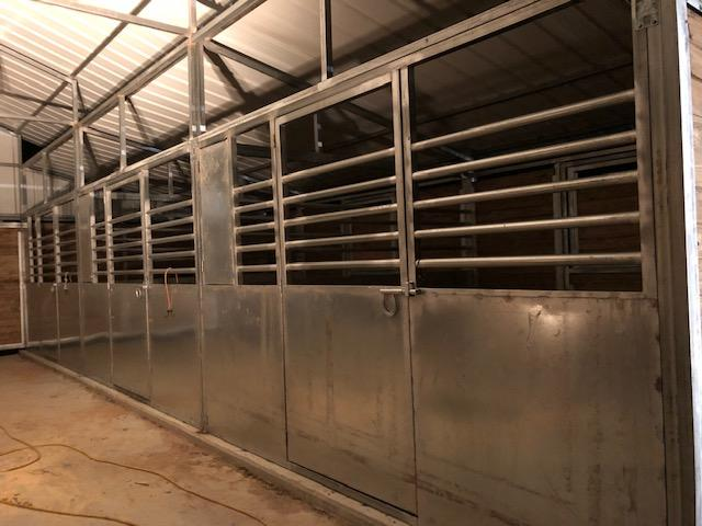 GALVANIZED STEEL STALLS